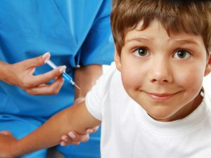 Школьникам прописали прививки