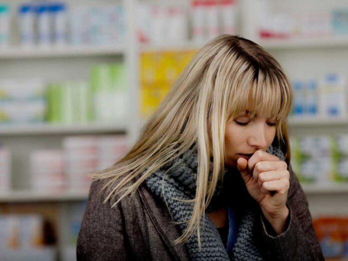 Медики объяснили, к чему может привести даже самый невинный кашель