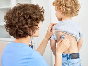 Бронхит у детей: три ошибки, которые допускают родители при лечении