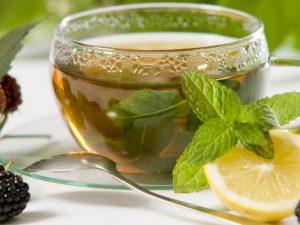 5 успокаивающих чаев, которые могут побороть симптомы простуды
