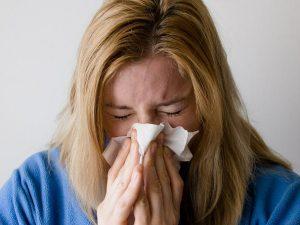 Роспотребнадзор предупредил о риске заразиться гриппом через бумажные купюры