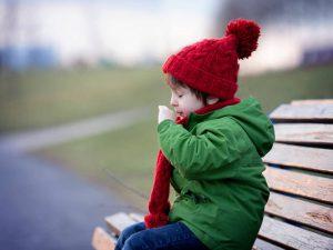5 мифов об ОРВИ, в которые до сих пор верят родители и бабушки