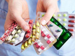 Названы препараты, которыми нельзя лечить коронавирус