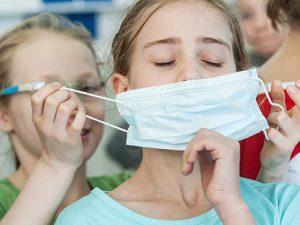 Названы основные начальные признаки коронавируса у детей
