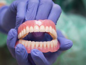 Обзор методов по протезированию зубов