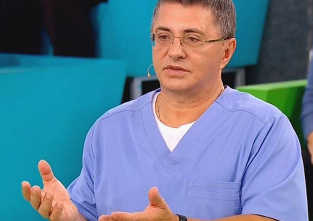 Мясников назвал главную ошибку россиян в лечении ковида