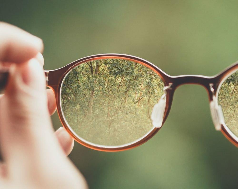 Для людей с плохим зрением коронавирус в 5 раз опасней