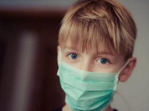 Предупреждение о коронавирусе: новый штамм чаще встречается у детей