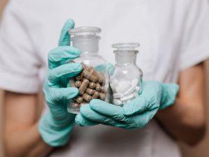 Российские ученые нашли средство, подавляющее коронавирус