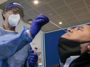 Медики рассказали, когда возвращается обоняние и проходит одышка у людей, переболевших коронавирусом
