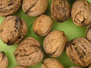 Названы витамины, снижающие риск осложнений от коронавируса