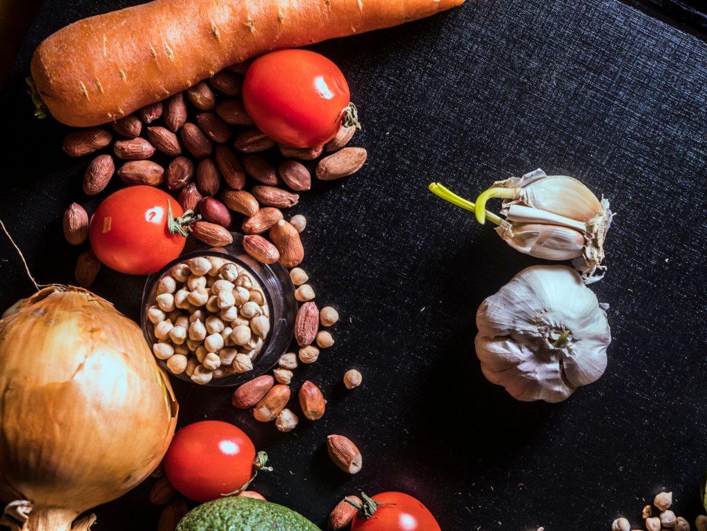Здоровое питание помогает бороться с COVID-19: самое главное в меню
