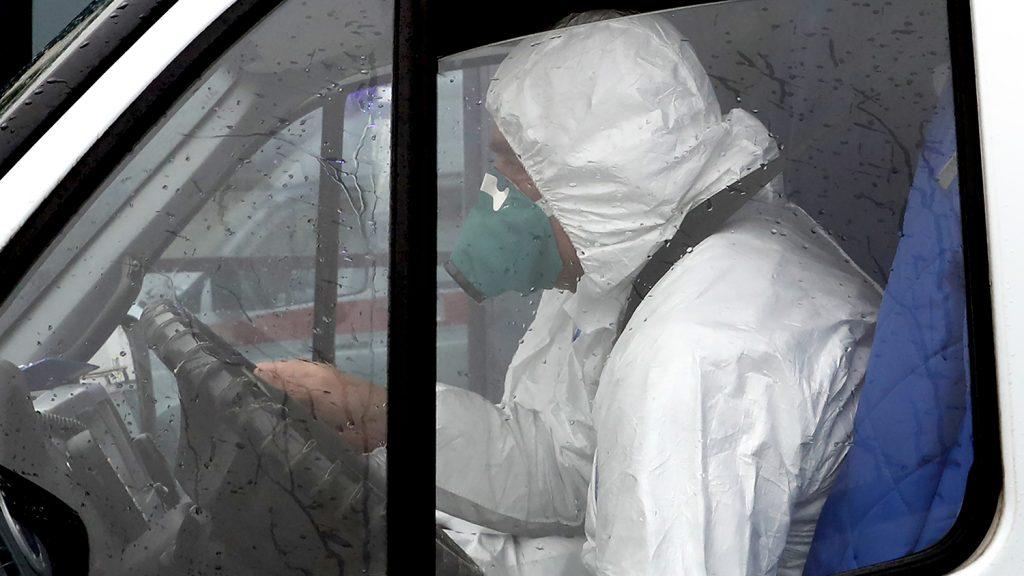 Названы уязвимые для коронавируса категории пациентов