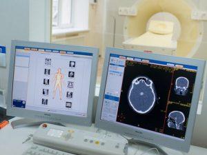 Ученые выяснили, как коронавирус поражает мозг