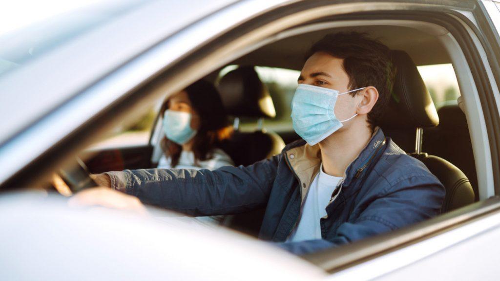 Регулярное проветривание в автомобиле снижает риск заражения COVID-19