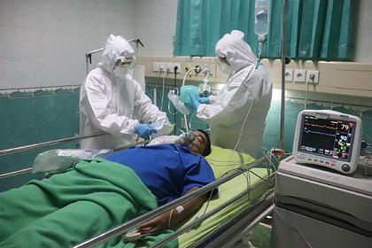 Коронавирус связали с опасными осложнениями на сердце
